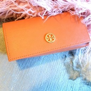 Tory and Burch glass case